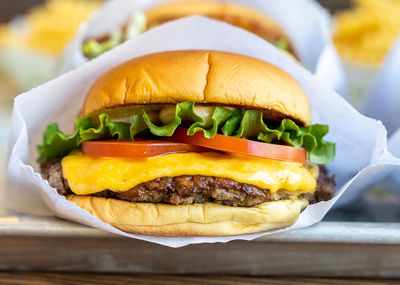 New BOGO Burger or Chicken Sandwich Promo Code Arrives at Shake Shack with In-app and Online Orders