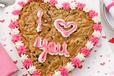 Custom Heart Cookie Cakes Return to Mrs. Fields and a New Sale Begins on Totable Cookie Canisters