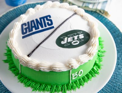 Carvel Celebrates Game Day with Tasty Sports-themed Ice Cream Cakes