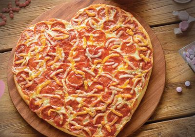 Papa Murphy's is Serving Up their Seasonal Heart Baker Pizza this Valentine's Day