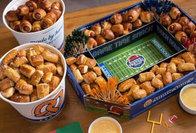 The Popular Game Day Snack Pack Returns to Auntie Annes Pretzels for Football Season